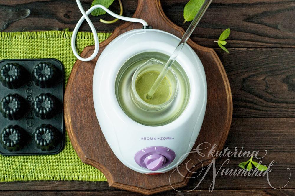 Добавляем в сливки зелёный чай маття