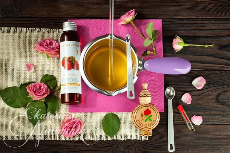 Добавляем масло малины и эфирное масло розы