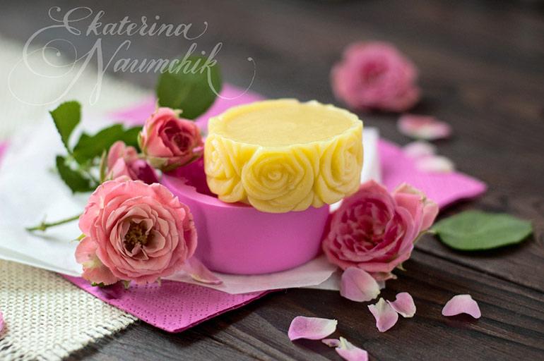 Плитка для тела с розовым маслом готова