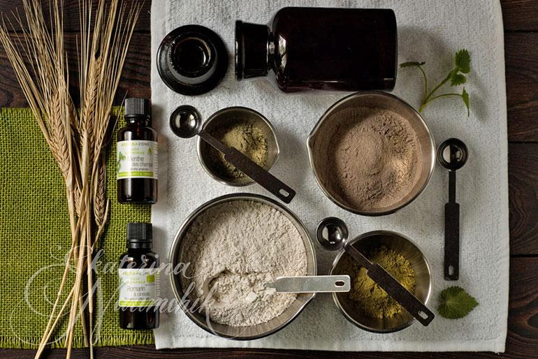 Компоненты для приготовления убтана для тёмных волос