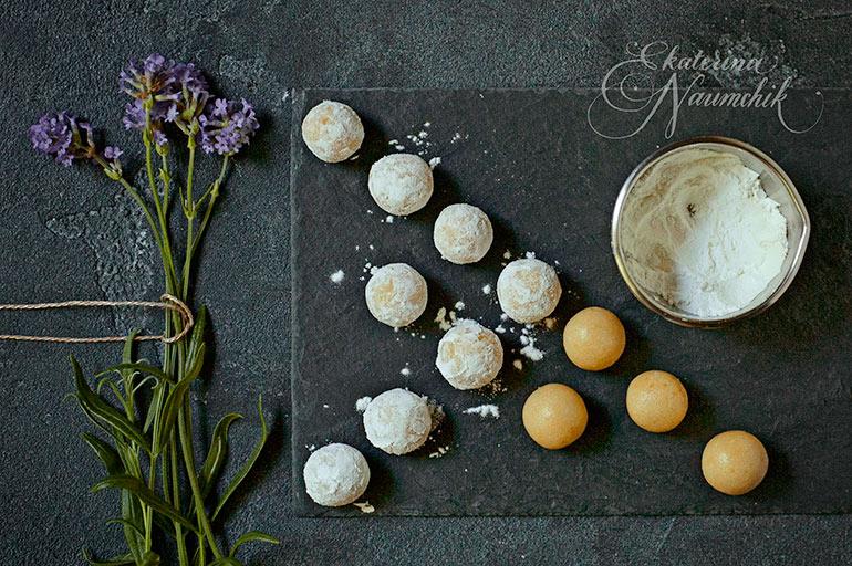 конфеты из марципана с лавандой
