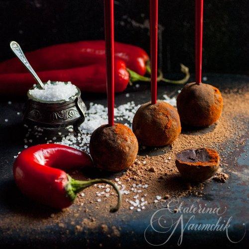 Шоколадные трюфели с солью и перцем